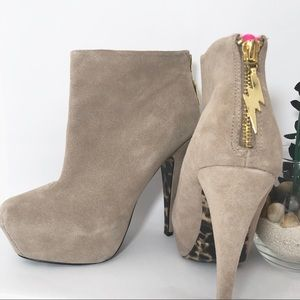 Betsey Johnson Thanee Suede Leather Zip Booties